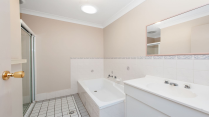 Apartment-in-Fingal-Bay-Australia---Home160245-Image13
